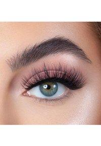 Melody Lashes - GLAM CAKE SWEET & FLUFFY - False eyelashes - black - 2