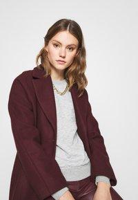 ONLY - ONLJOYCE O-NECK  - Sweatshirt - light grey melange - 3