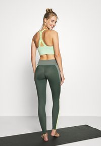 Hunkemöller - Leggings - agave green - 2