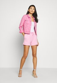 Marc O'Polo - ATTACHED POCKETS - Shorts - sunlit coral - 1