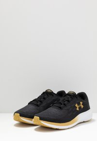 Under Armour - CHARGED PURSUIT 2 - Neutral running shoes - black - 2