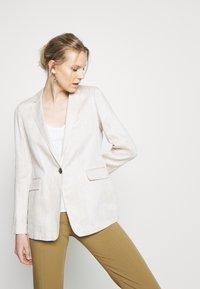 s.Oliver BLACK LABEL - LANGARM - Short coat - beige - 3