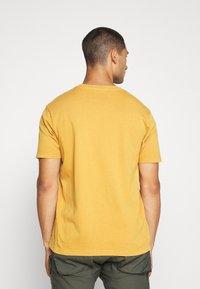 Nudie Jeans - UNO - T-paita - amber - 2