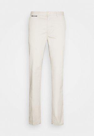 MOTT CLASSIC  - Trousers - chalk