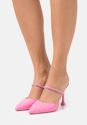 MAREVIA - Klasické lodičky - pink