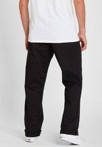 Volcom - FRICKIN SKATE CHINO PANT - Chino kalhoty - black - 1