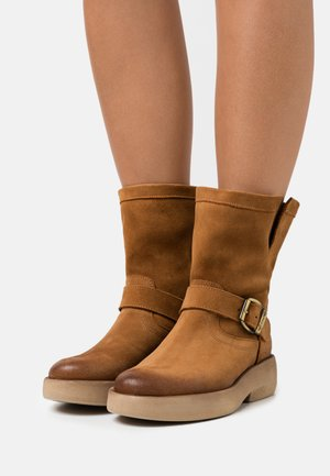 EXTRA - Kotníkové boty na platformě - marvin nicotine