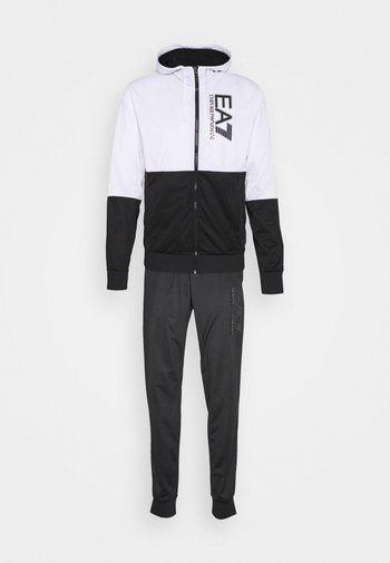 SET - Tracksuit - black/white
