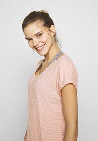 Vaude - SKOMER - T-shirts med print - rosewater - 3