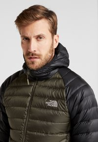 The North Face - TREVAIL HOODIE - Down jacket - new taupe green/black - 3