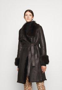 STUDIO ID - FLO COAT - Leather jacket - chocolate - 0