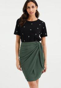 WE Fashion - MET DESSIN - Print T-shirt - black - 0