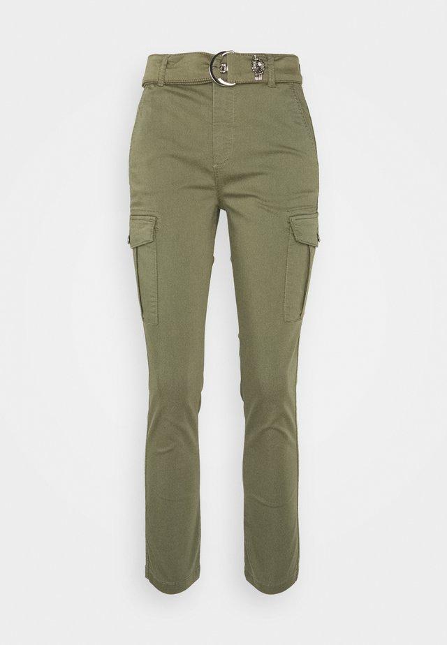 PANT - Pantalon cargo - platano