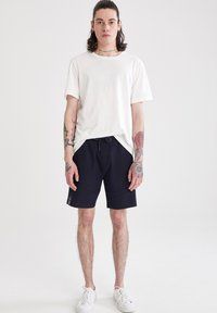 DeFacto - Shorts - navy - 0