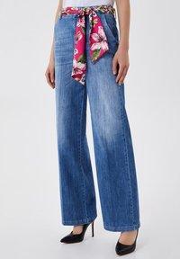 LIU JO - PALAZZO - Flared Jeans - blue denim - 0