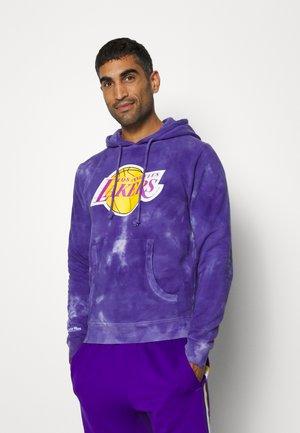 NBA LOS ANGELES LAKERS TIE DYE HOODY - Klubové oblečení - purple