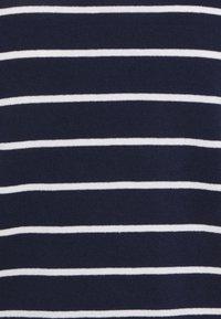 Vero Moda Petite - VMALMA BOATNECK  - Jumper - navy blazer/snow white - 2