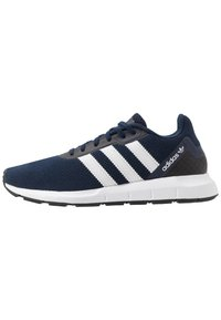 adidas Originals - SWIFT RUN - Sneakersy niskie - conavy/ftwwht/cblack - 0