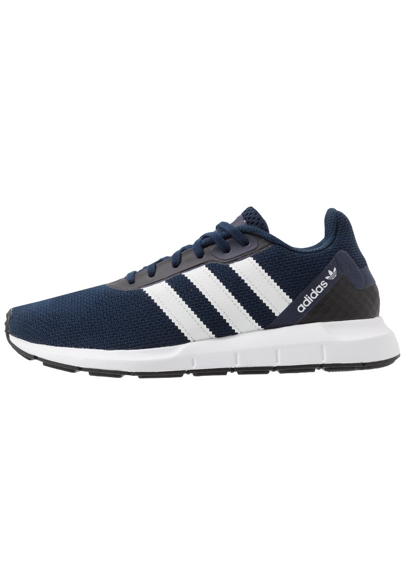 adidas Originals - SWIFT RUN - Sneakersy niskie - conavy/ftwwht/cblack
