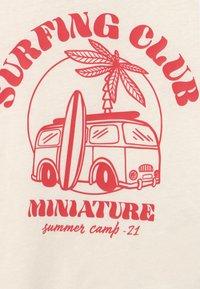 Gina Tricot Mini - MINI TEE UNISEX - T-shirt con stampa - tofu - 2