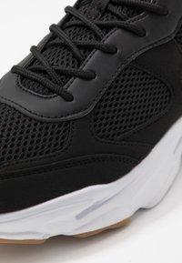 Cotton On - DIMITRI - Trainers - black/white - 5