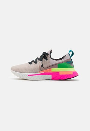 REACT INFINITY RUN FK PRM - Neutral running shoes - violet ash/dark smoke grey/pink blast