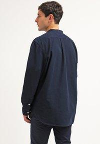 KnowledgeCotton Apparel - SLIM FIT - Shirt - total eclipse - 2