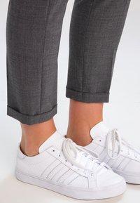 Karen by Simonsen - SYDNEY  - Trousers - grey melange - 4
