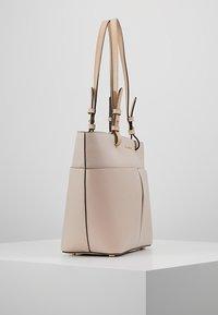 MICHAEL Michael Kors - BEDFORD POCKET TOTE - Handbag - soft pink - 3
