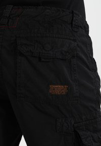 Alpha Industries - JET - Shorts - schwarz - 4