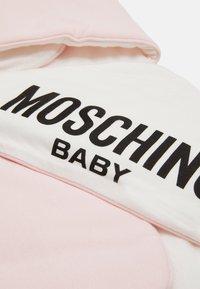MOSCHINO - BLANKET UNISEX - Boxkleed - sugar rose melange - 3