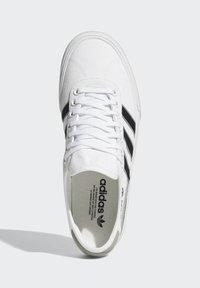 adidas Originals - DELPALA SHOES - Sneakers basse -  white - 1