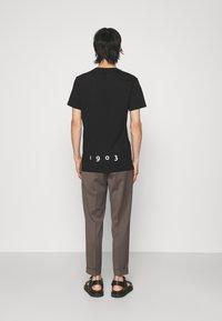 Tiger of Sweden - FLEEK - T-shirt imprimé - black - 2
