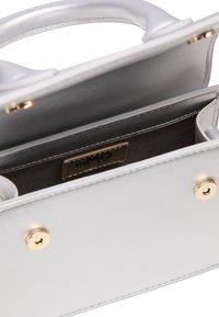 myMo - Handbag - silver metallic - 4