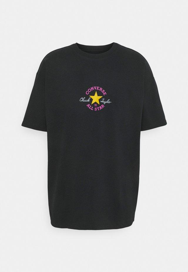 CUT OUT CHUCK PATCH SHORT SLEEVE TEE - T-shirt print - black