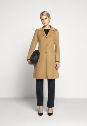 UGGIOSO - Płaszcz wełniany /Płaszcz klasyczny - kamel