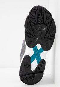 adidas Originals - FALCON - Sneakers - grey one/grey two/grey four - 6