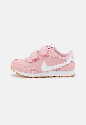 MD VALIANT SE UNISEX - Sneaker low - pink glaze/white/light brown/obsidian