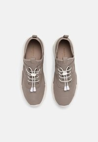 Madden Girl - THRIVE - Sneakers - taupe - 4