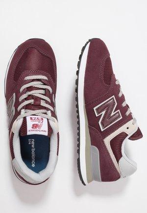 PC574 - Trainers - burgundy