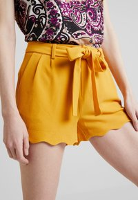 Anna Field - Shorts - dark yellow - 4