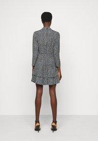 Dorothy Perkins Tall - TALL DITSY SHEERED NECK MINI DRESS - Day dress - multi - 2