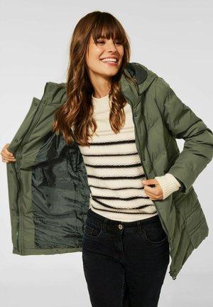 MIT KAPUZE - Winter coat - grün