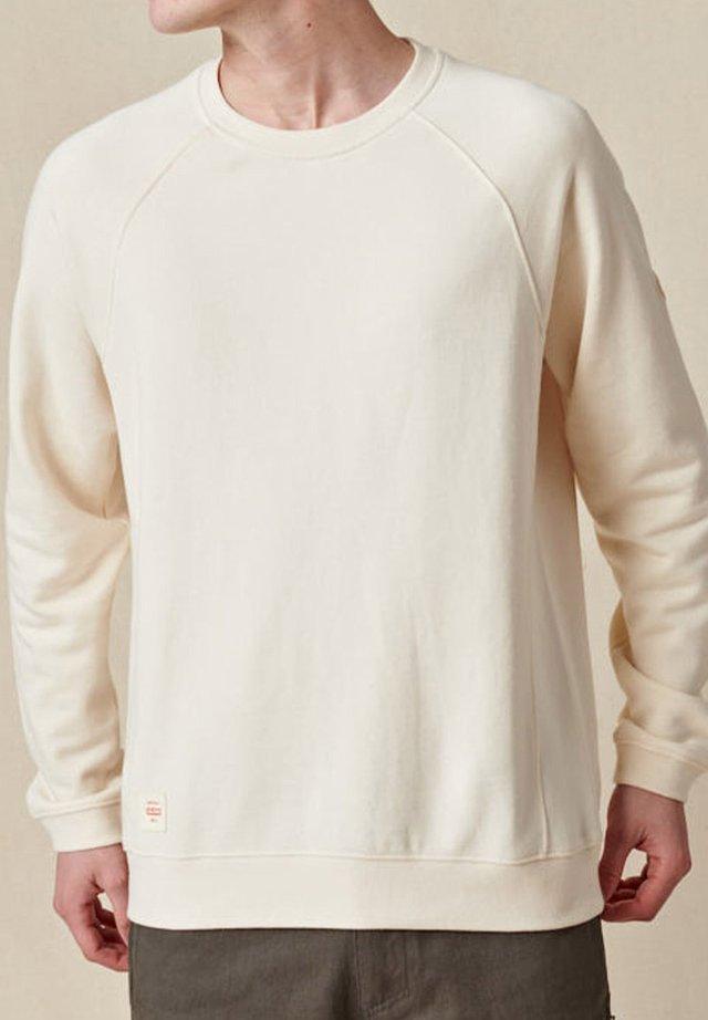 TRAVELLER CREW - Pullover - bleach free-dye free