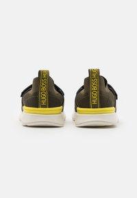 BOSS Kidswear - TRAINERS - Trainers - khaki - 2