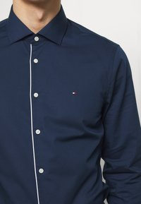 Tommy Hilfiger Tailored - PIPING CLASSIC SLIM  - Formal shirt - blue - 4