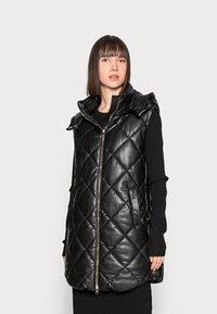 Liu Jo Jeans - GILET NAVETTA - Waistcoat - black - 0