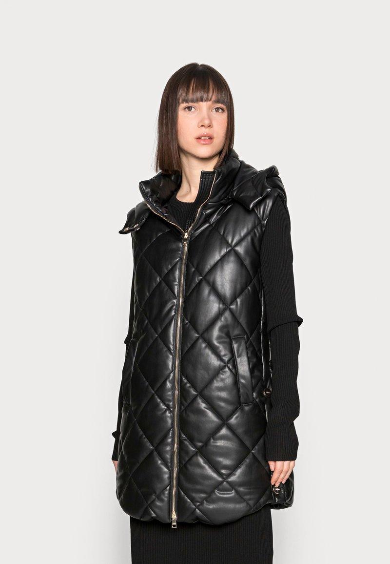 Liu Jo Jeans - GILET NAVETTA - Waistcoat - black