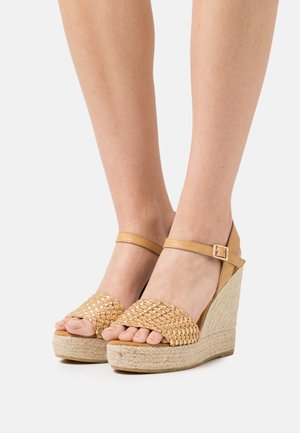 SOFIA - Korkeakorkoiset sandaalit - beige/gold