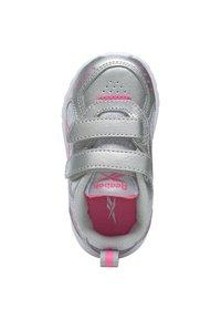 Reebok - REEBOK XT SPRINTER SHOES - Chaussures de running neutres - silver - 11